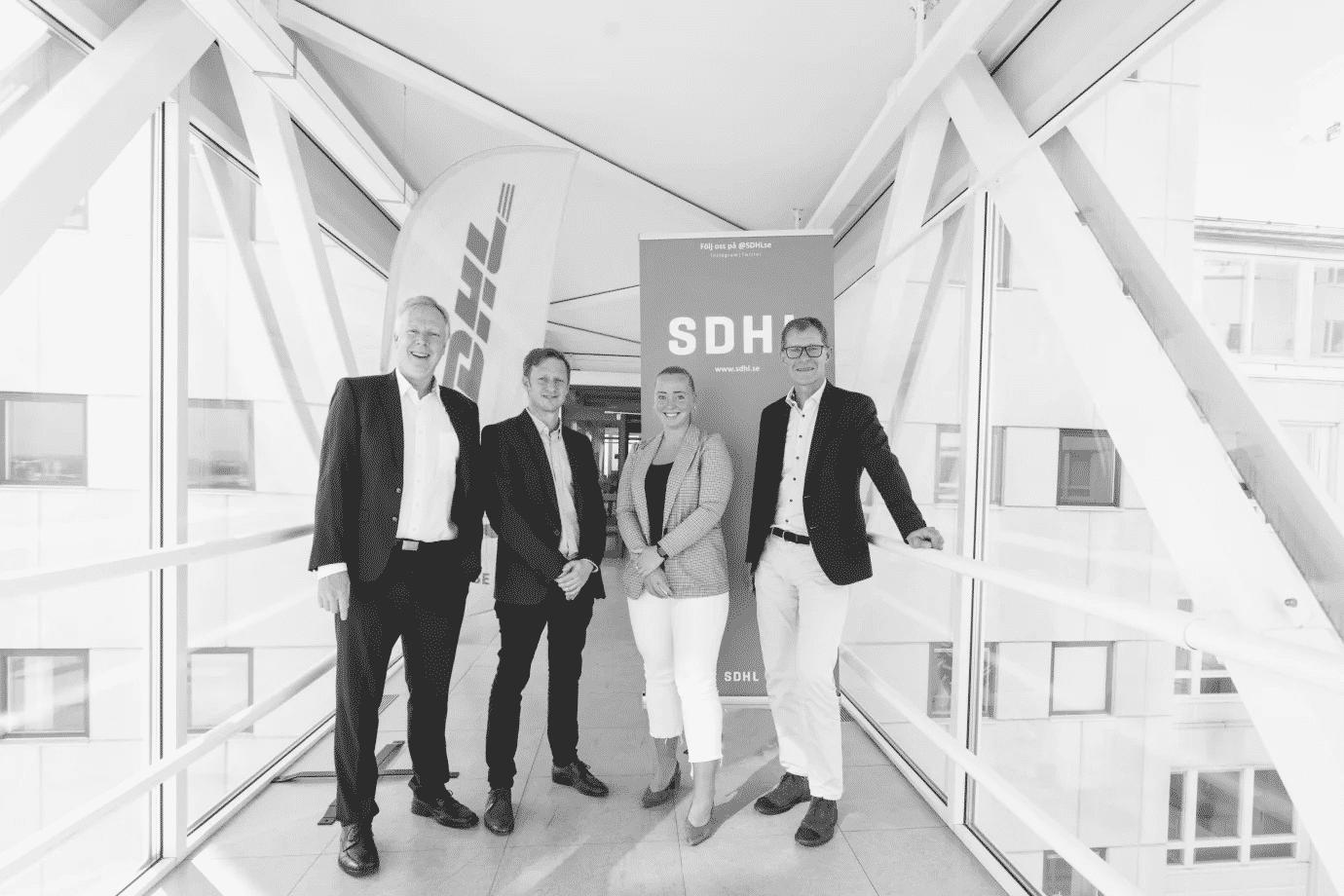 """DHL går in som huvudsponsor till SDHL: """"Hoppas kunna hjälpa svensk damhockey växa"""""""